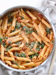 creamy-tomato-and-spinach-pasta-v1